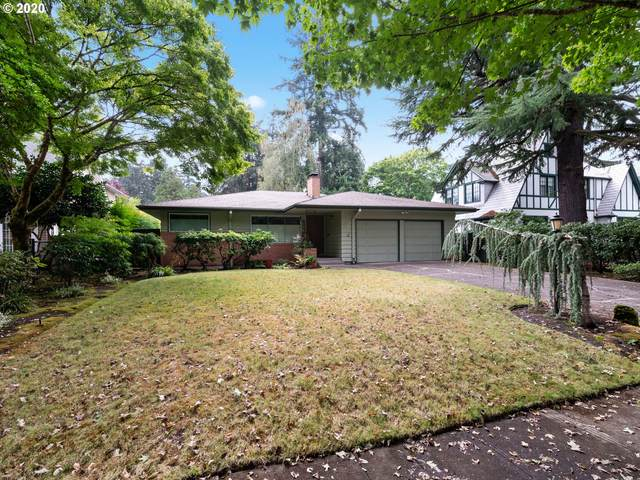 634 SE Manchester Pl, Portland, OR 97202 (MLS #20684014) :: Brantley Christianson Real Estate