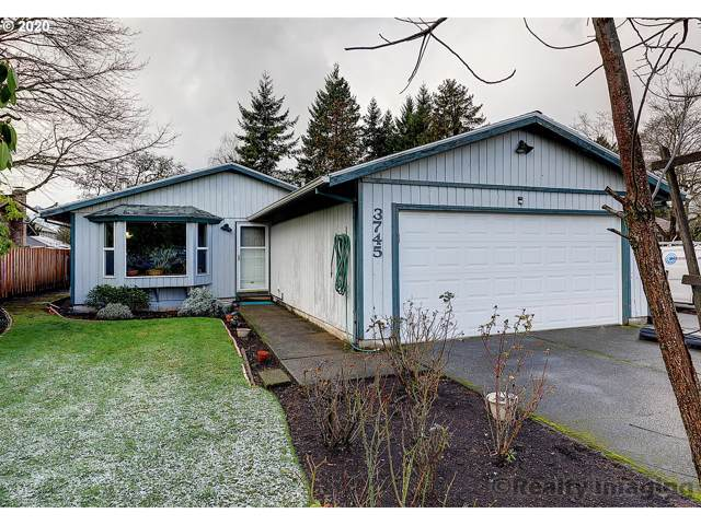 3745 SE 164TH Ave, Portland, OR 97236 (MLS #20691410) :: Townsend Jarvis Group Real Estate
