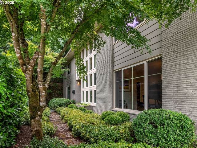 2761 SW Patton Ct, Portland, OR 97201 (MLS #20696337) :: The Liu Group