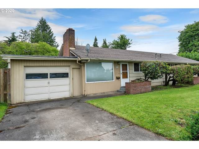 9022 NE Hoyt St, Portland, OR 97220 (MLS #20697419) :: Townsend Jarvis Group Real Estate