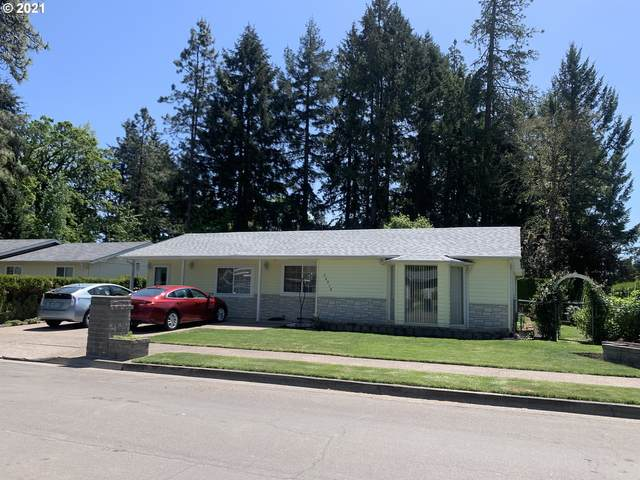 24914 Woodland Ave, Veneta, OR 97487 (MLS #21000875) :: Song Real Estate