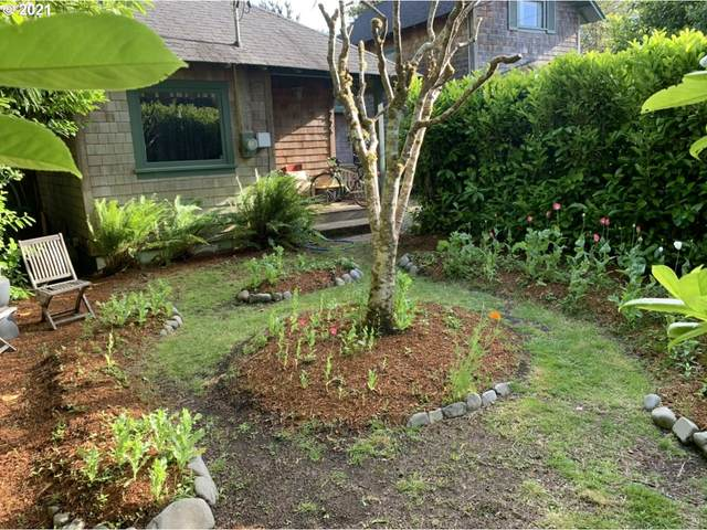 775 G St, Gearhart, OR 97138 (MLS #21000964) :: McKillion Real Estate Group