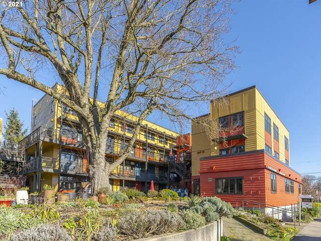 2525 N Killingsworth St #311, Portland, OR 97217 (MLS #21003641) :: Song Real Estate
