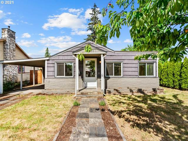 7011 SE 52ND Ave, Portland, OR 97206 (MLS #21005428) :: Lux Properties