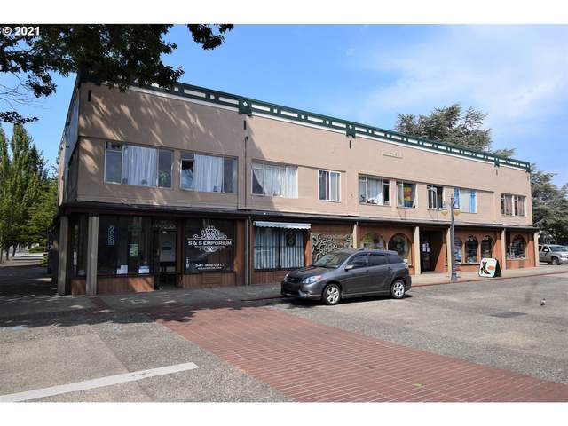 294 Central Ave, Coos Bay, OR 97420 (MLS #21006249) :: Lux Properties