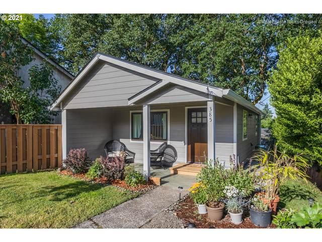385 N 3RD St, St. Helens, OR 97051 (MLS #21008315) :: McKillion Real Estate Group