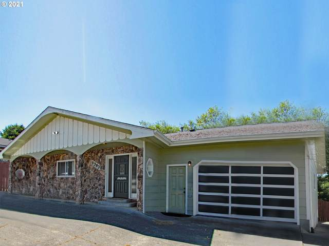 1303 English Ct, Brookings, OR 97415 (MLS #21010148) :: Cano Real Estate