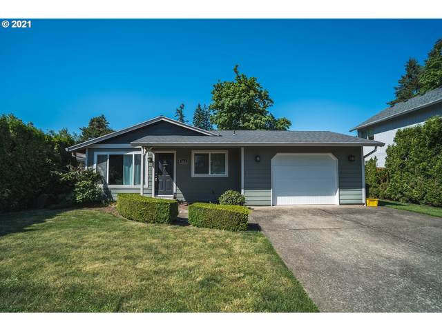 1042 NE 8TH Pl, Canby, OR 97013 (MLS #21010809) :: Premiere Property Group LLC
