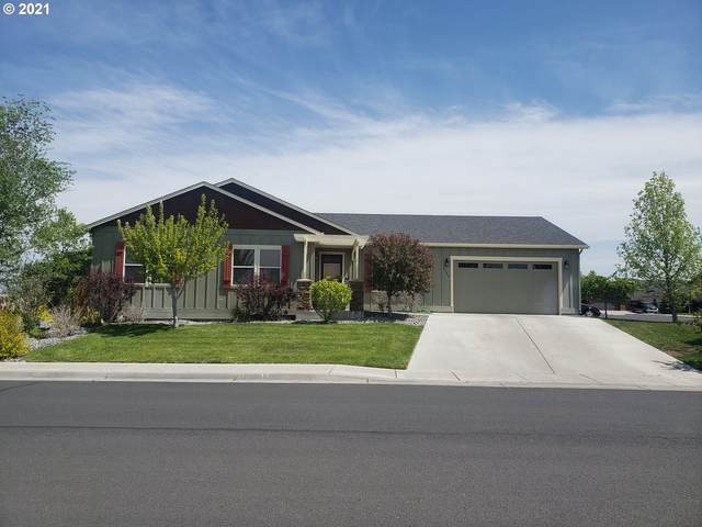 2186 NW Overlook Dr, Hermiston, OR 97838 (MLS #21012315) :: Brantley Christianson Real Estate