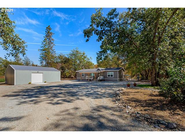 4942 Old Stage Rd, Central Point, OR 97502 (MLS #21014255) :: The Haas Real Estate Team