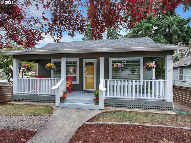 5824 SE Mitchell St, Portland, OR 97206 (MLS #21015940) :: Townsend Jarvis Group Real Estate