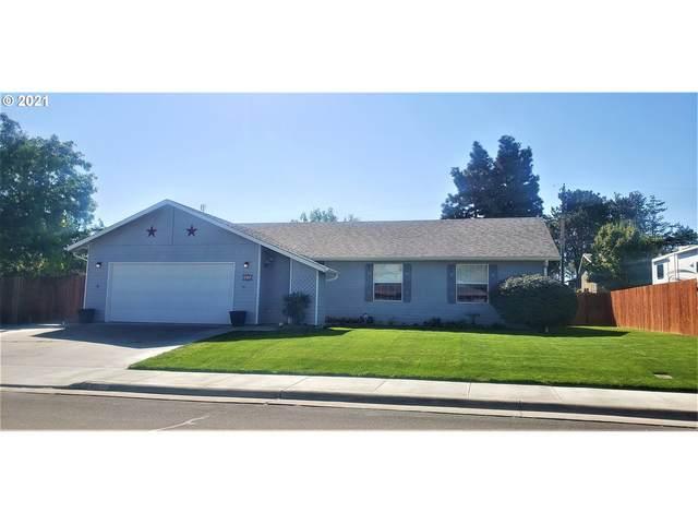 815 W Alder Ave, Hermiston, OR 97838 (MLS #21017943) :: Fox Real Estate Group