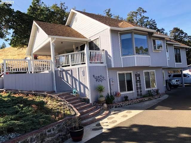 660 NE Bellview Ct, Roseburg, OR 97470 (MLS #21022687) :: Fox Real Estate Group