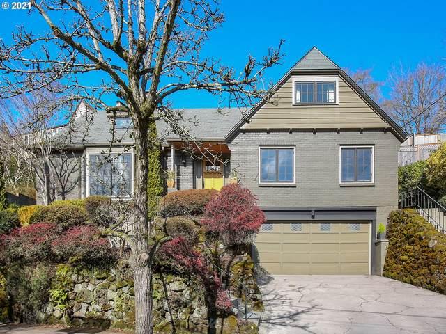 2325 NE Ridgewood Dr, Portland, OR 97212 (MLS #21023134) :: Song Real Estate