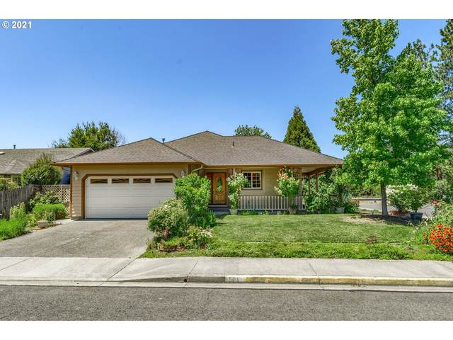 504 SW Anique Ln, Grants Pass, OR 97526 (MLS #21024339) :: The Liu Group