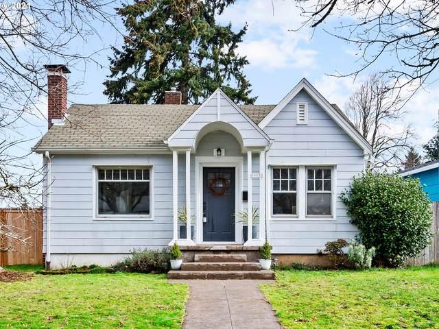10055 N Willamette Blvd, Portland, OR 97203 (MLS #21026369) :: Cano Real Estate