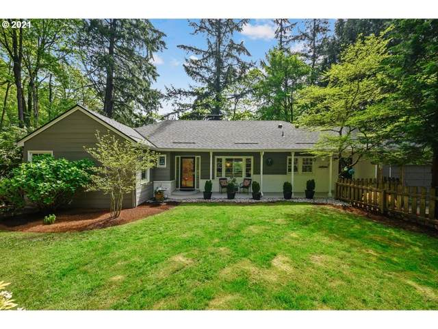 1616 SW Parkview Ct, Portland, OR 97035 (MLS #21028252) :: The Liu Group