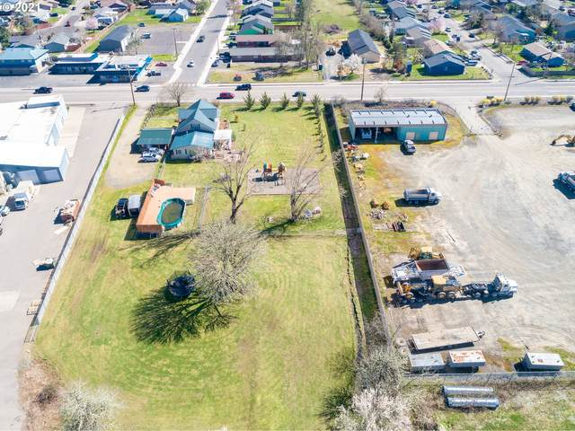 355 S Calapooia St, Sutherlin, OR 97479 (MLS #21034054) :: Fox Real Estate Group