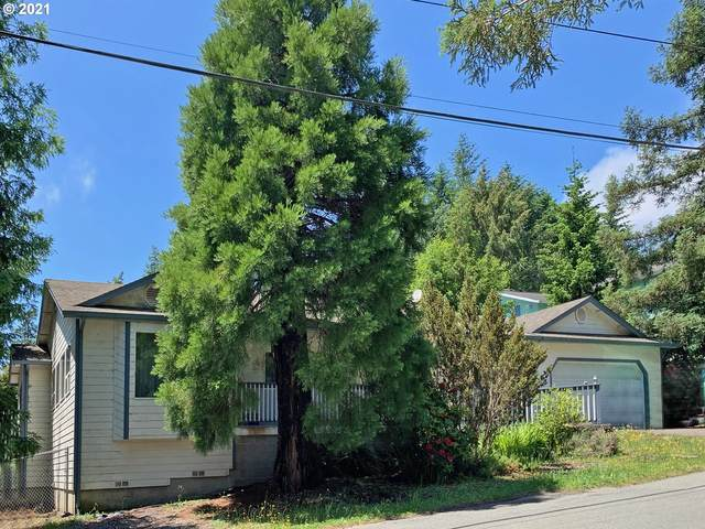 913 Seventh St, Brookings, OR 97415 (MLS #21035354) :: McKillion Real Estate Group