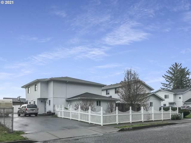 215 Cypress St, Brookings, OR 97415 (MLS #21035982) :: Song Real Estate