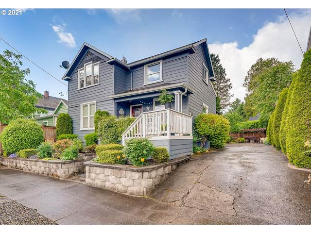 8065 SE 9TH Ave, Portland, OR 97202 (MLS #21036111) :: The Pacific Group