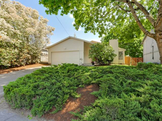 2212 SE 60TH Ave, Portland, OR 97215 (MLS #21038416) :: The Haas Real Estate Team