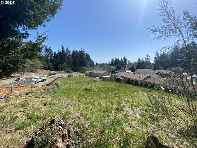 576 Meadow Ln, Brookings, OR 97415 (MLS #21043259) :: Beach Loop Realty