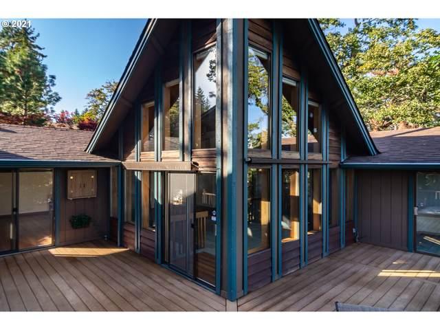 695 SE Summit Dr, Roseburg, OR 97470 (MLS #21043466) :: Townsend Jarvis Group Real Estate