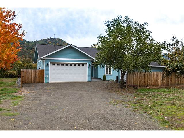 965 Cornutt St, Myrtle Creek, OR 97457 (MLS #21045184) :: Holdhusen Real Estate Group