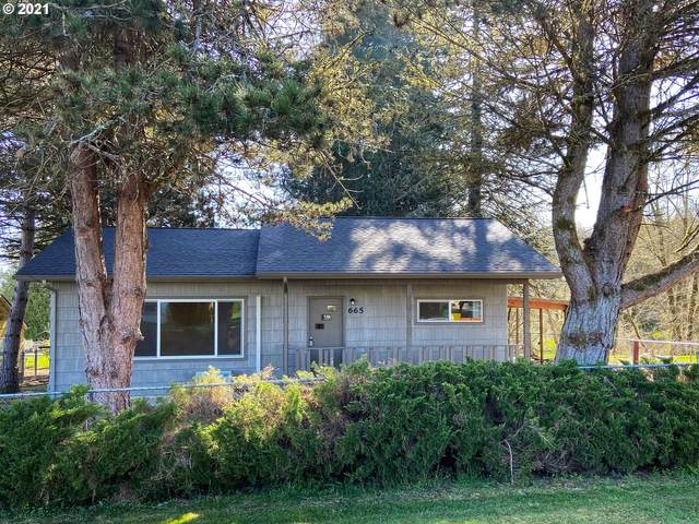 665 SE Conyers St, Clatskanie, OR 97016 (MLS #21046020) :: Premiere Property Group LLC