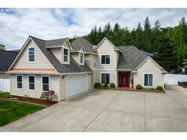 2400 NW Canterbury Dr, Roseburg, OR 97471 (MLS #21046438) :: Real Tour Property Group