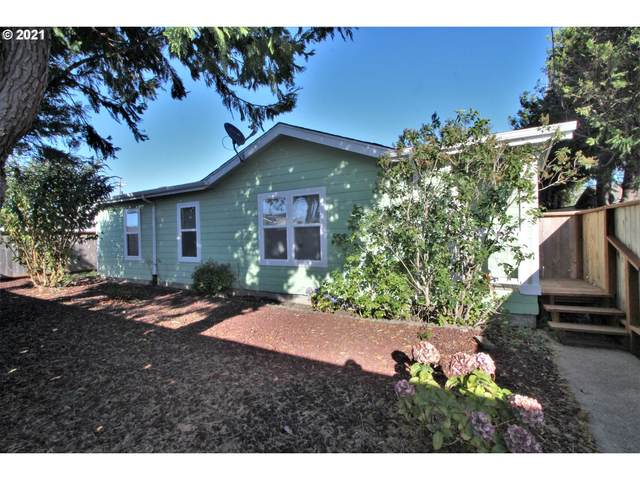 2054 Marion, North Bend, OR 97459 (MLS #21051256) :: Fox Real Estate Group