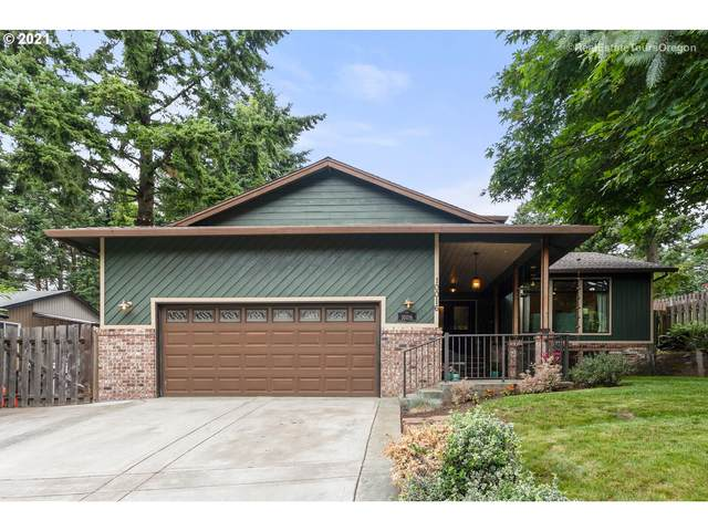 10016 SE 100TH Dr, Happy Valley, OR 97086 (MLS #21053214) :: Fox Real Estate Group