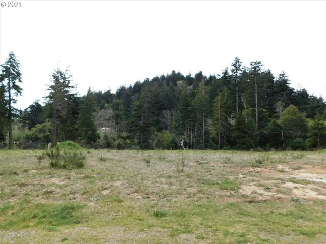 12th St, Port Orford, OR 97465 (MLS #21053282) :: Beach Loop Realty