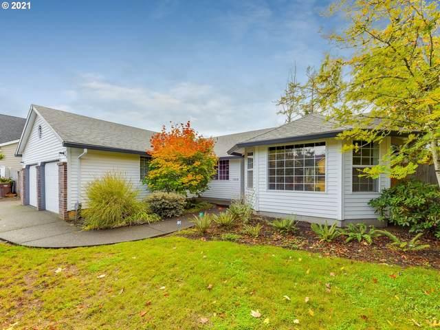 15018 Pebble Beach Dr, Oregon City, OR 97045 (MLS #21058565) :: Brantley Christianson Real Estate