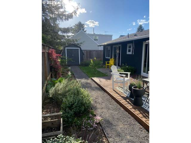 4401 NE 42ND Ave, Portland, OR 97218 (MLS #21058935) :: Townsend Jarvis Group Real Estate