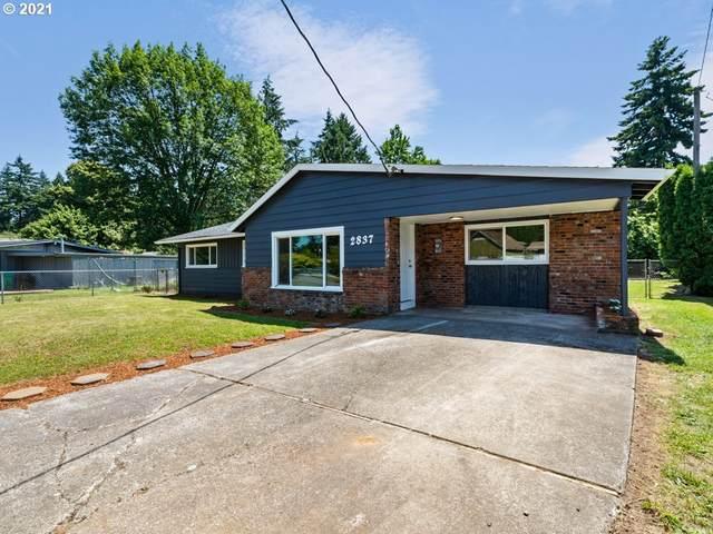 2837 SE 151ST Ave, Portland, OR 97236 (MLS #21062298) :: Brantley Christianson Real Estate