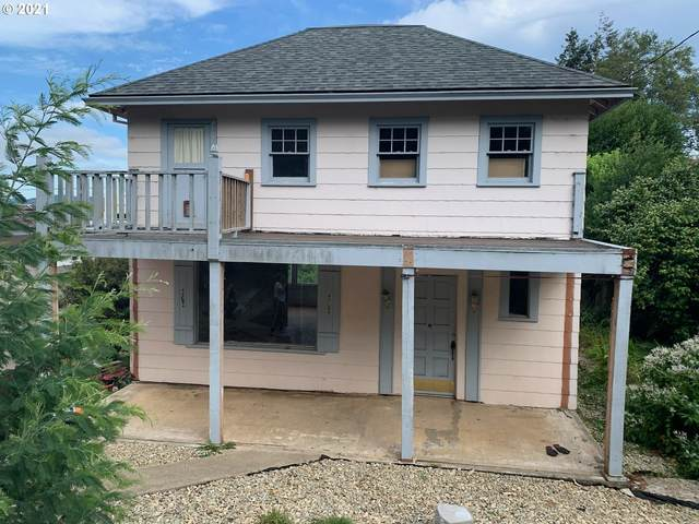 834 S 11TH St, Coos Bay, OR 97420 (MLS #21062895) :: Townsend Jarvis Group Real Estate