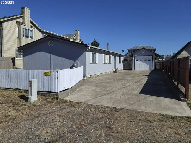 915 SW 7TH St, Newport, OR 97365 (MLS #21064526) :: Change Realty