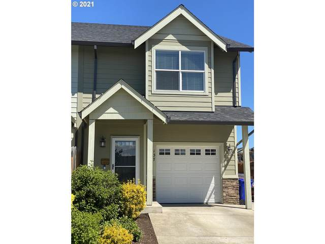 137 N Cole Ave, Molalla, OR 97038 (MLS #21068524) :: The Haas Real Estate Team