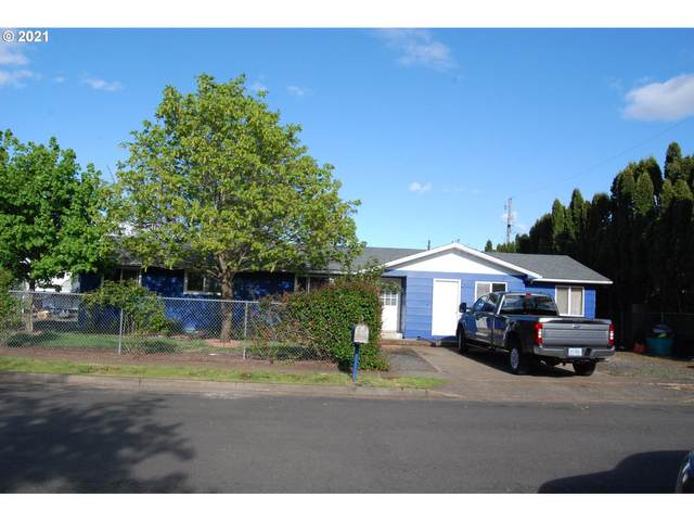 370 S 3RD St, Creswell, OR 97426 (MLS #21069695) :: Song Real Estate
