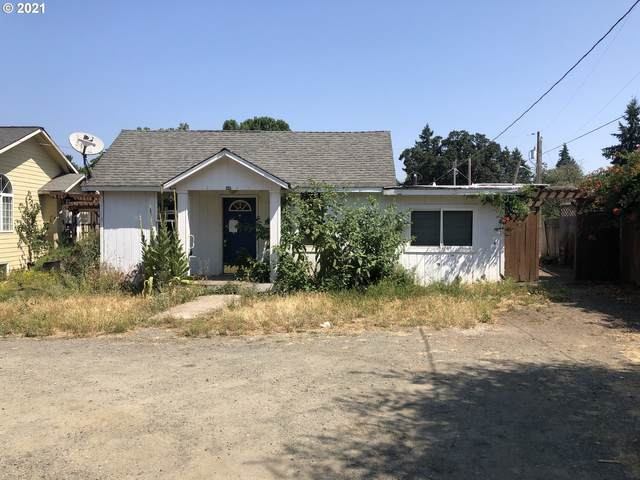 1046 E Grover, Cottage Grove, OR 97424 (MLS #21070028) :: Holdhusen Real Estate Group