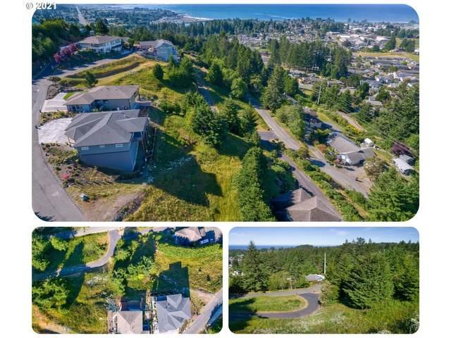 6894 Pacific Terrace Loop #9, Brookings, OR 97415 (MLS #21070457) :: Holdhusen Real Estate Group