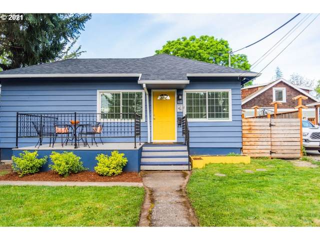 4123 SE 15TH Ave, Portland, OR 97202 (MLS #21070472) :: Townsend Jarvis Group Real Estate