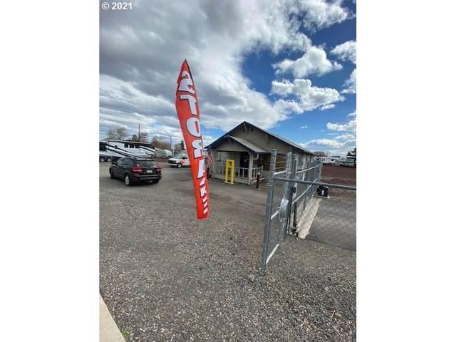 1050 B Ave, Terrebonne, OR 97760 (MLS #21070828) :: RE/MAX Integrity