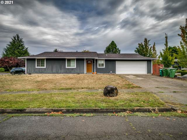 3101 E Middlebrook Dr, Newberg, OR 97132 (MLS #21077993) :: Fox Real Estate Group