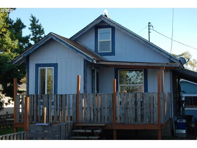 500 N 7 TH St, Reedsport, OR 97467 (MLS #21079672) :: Real Tour Property Group