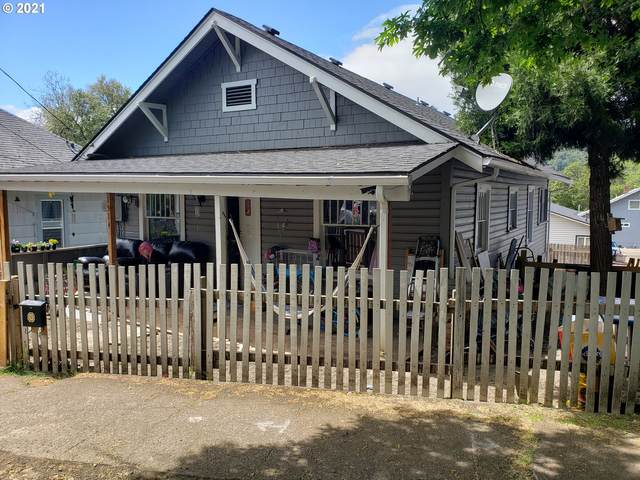 1514 SE Main St, Roseburg, OR 97470 (MLS #21080025) :: Premiere Property Group LLC