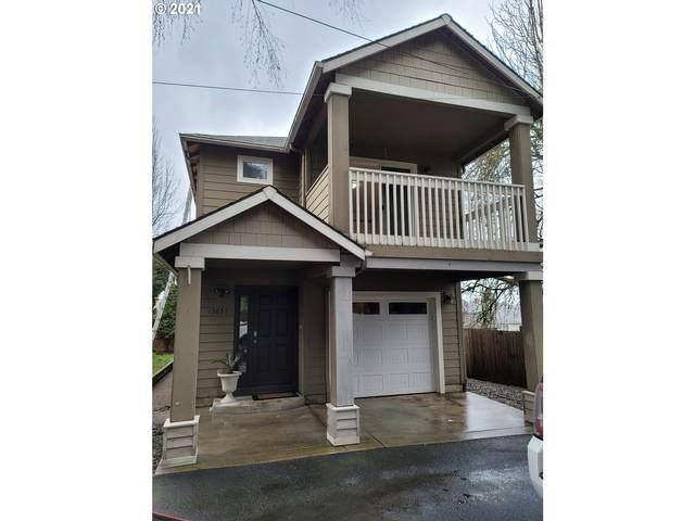 13635 SE Mitchell St, Portland, OR 97236 (MLS #21084107) :: Premiere Property Group LLC