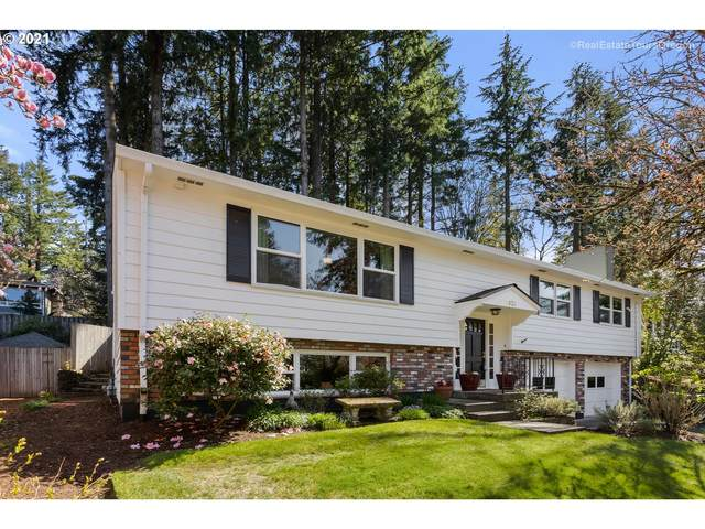 1620 Woodland Ter, Lake Oswego, OR 97034 (MLS #21085027) :: Brantley Christianson Real Estate